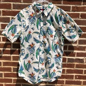 Quicksilver Hawaiian-style Shrt Sleeve Button Down